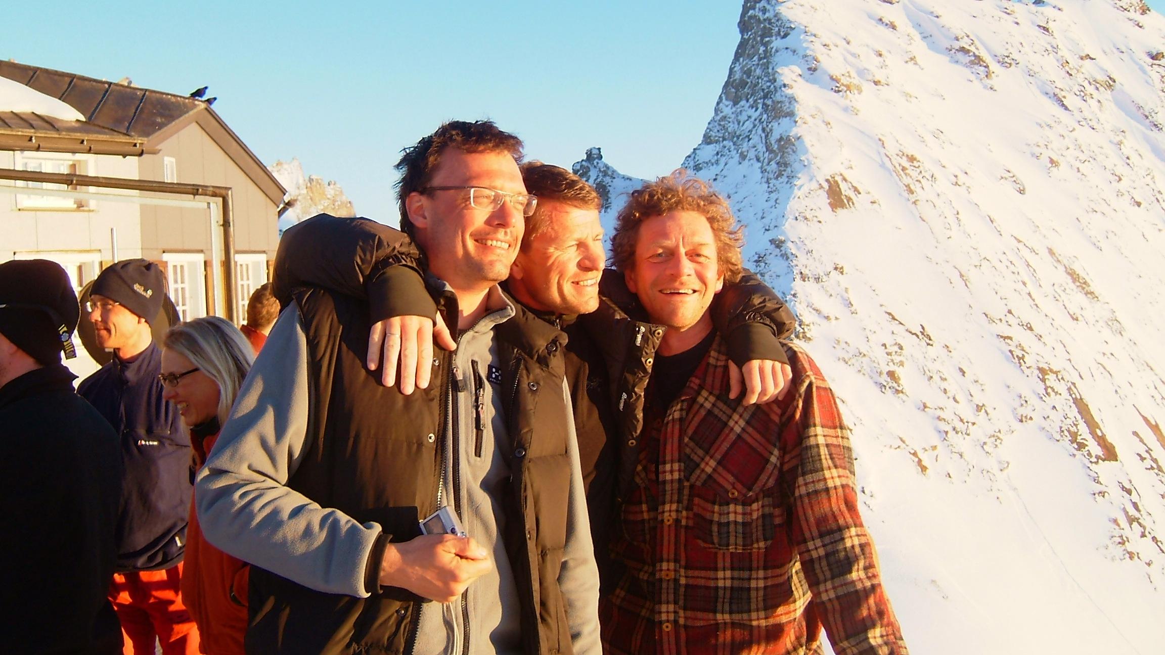 Tre glade gutter